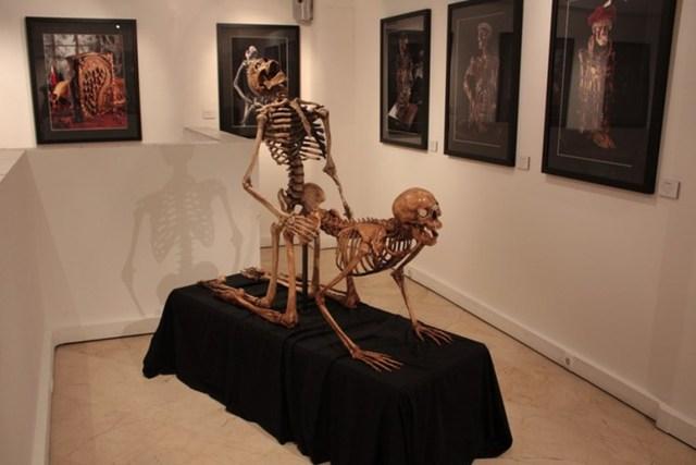 """Bảo tàng sung sướng ở Paris, Pháp sở hữu bộ sưu tập các hiện vật về sex do Alain Plumey và Jo Khalifa thu thập trong khoảng 30 năm. Những hiện vật liên quan đến """"chuyện ấy"""" từ thời cổ đại cho tới đương đại này được thu thập ở Ấn Độ, Nhật Bản, châu Phi..."""