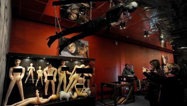 Bảo tàng MusEros tọa lạc ở thành phố St. Petersburg, Nga mở cửa năm 2004 và là nơi sở hữu bộ sưu tập liên quan đến chuyện ấy lớn nhất nước.