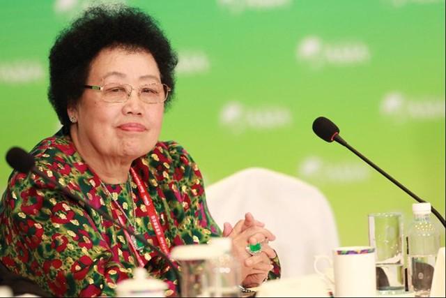 Doanh nhân U80 Châu Lệ Hoa là một trong số ít nữ tỷ phú giàu tự thân của thế giới. Ảnh: Forbes.