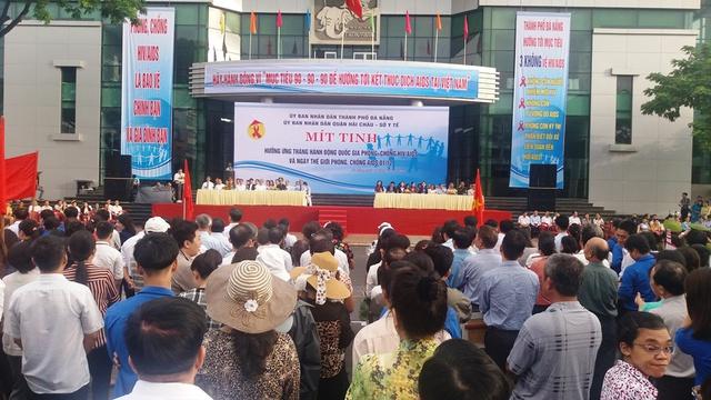 Đà Nẵng mít tinh hưởng ứng Tháng hành động quốc gia phòng chống HIV/AIDS