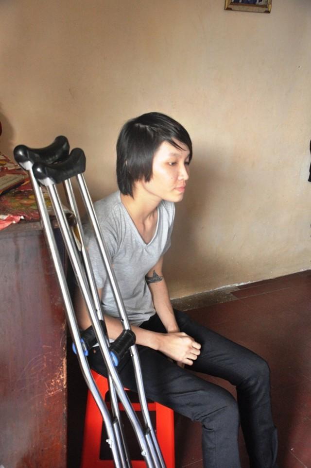 Hoàng Hà Giang không để ai vượt qua mình trên sàn đấu nhưng cô đành bất lực trước sóng gió cuộc đời.