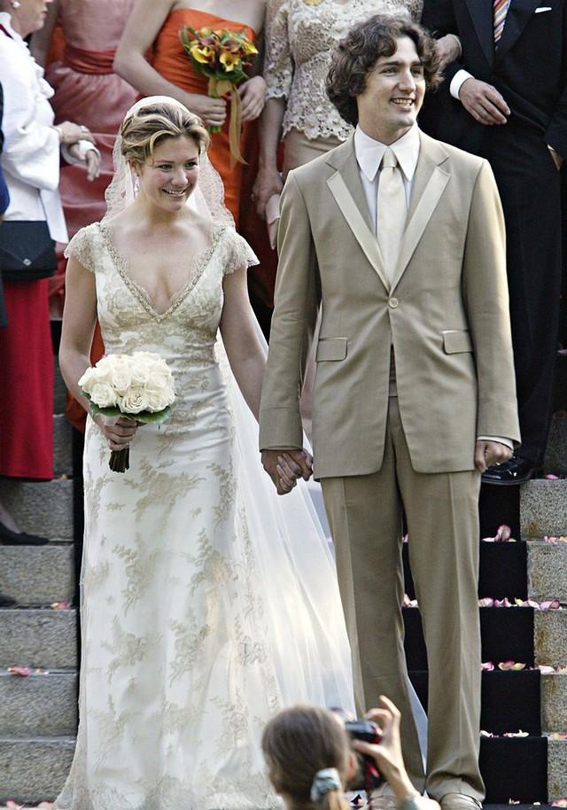 Cả hai đã làm lễ kết hôn vào tháng 5/2005, tại Montreal.