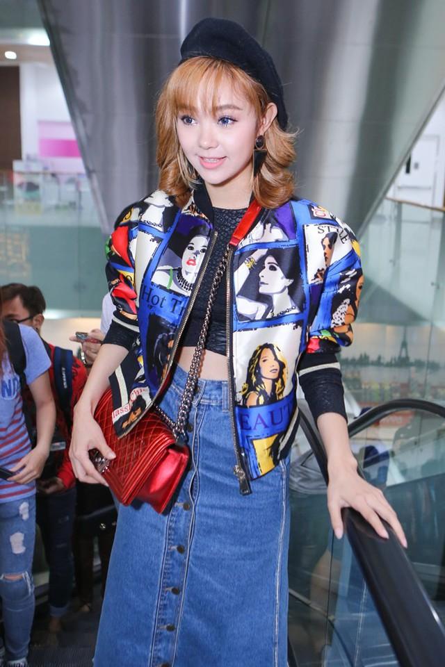 Minh Hằng xuất hiện với bộ cánh nổi bật đầy màu sắc. Trong phim, cô góp mặtvới tư cách khách mời đặc biệt.