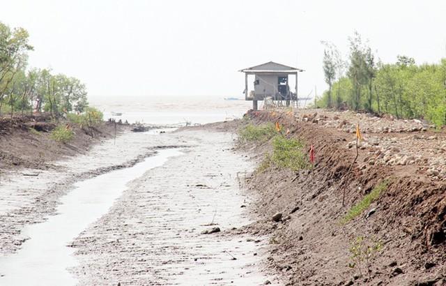 Khu vực ngư dân phát hiện thi thể nữ sinh gần bãi biển Nhà Mát, TP Bạc Liêu. Ảnh: Việt Tường.