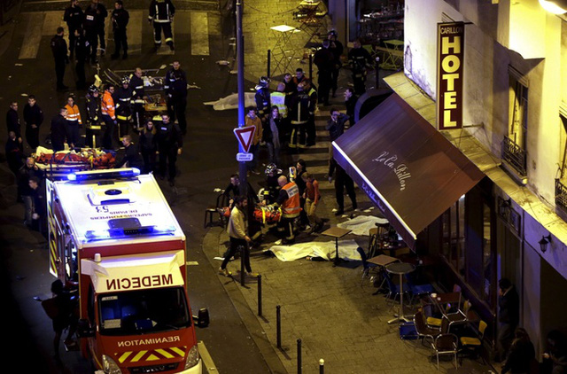 Paris chấn động vì vụ xả súng kinh hoàng. Ảnh: Reuters