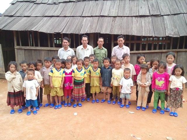 Thầy và trò Trường Tiểu học Tri Lễ 4 - huyện Quế Phong - tỉnh Nghệ An