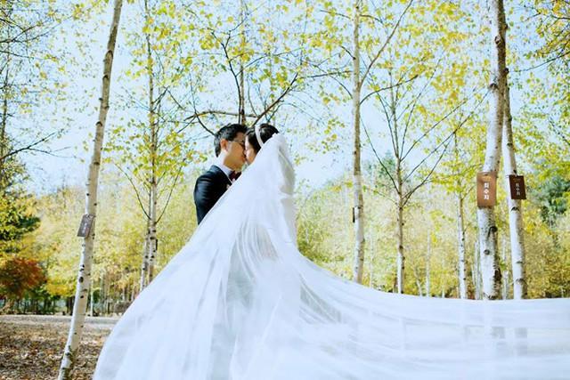 Do thời gian đi chơi cũng chỉ vỏn vẹn 4 ngày nên họ dành một ngày chụp ảnh cưới ở đảo Nami.