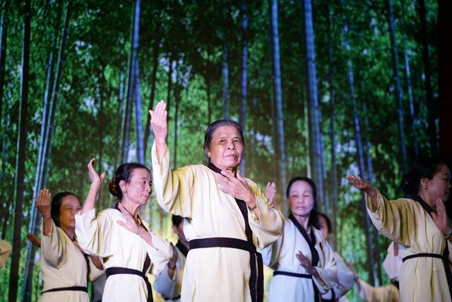 Người cao tuổi tỉnh Thái Bình biểu diễn Thái cực quyền tại Lễ phát động