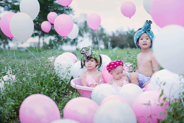 Tham gia bộ ảnh còn hai bé Rio và Cherry. Vợ chồng nam diễn viên Lật mặt luôn muốn lưu giữ hình ảnh các con bằng những bộ ảnh ngộ nghĩnh.