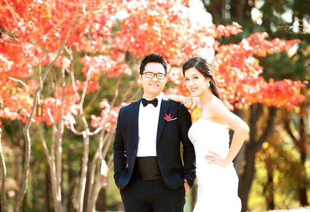 Chú rể Quang Việt tâm sự, cả hai quyết định tiến đến hôn nhân sau một năm quen biết và yêu nhau. Đám cưới dự định diễn ra vào tháng 2/2016.