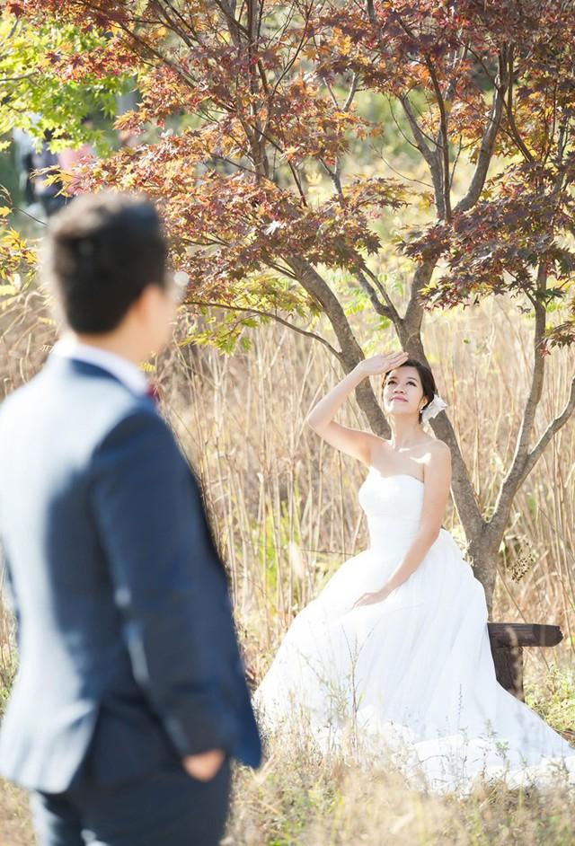Quang Việt chia sẻ chi phí chụp ảnh cưới ở nước ngoài có thể đắt hơn một chút nhưng cả anh và bạn gái đều hài lòng bởi chuyến đi trọn vẹn, ý nghĩa.