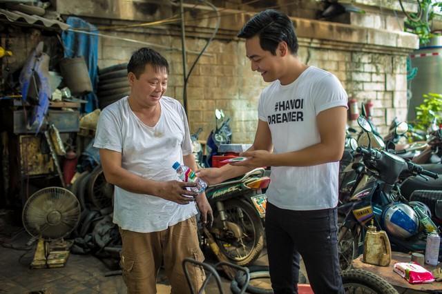"""""""hoạt động nhân đạo nhất quyết phải xuất phát từ thiện tâm"""" MC Phan Anh chia sẻ"""
