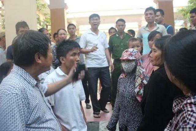 Công an thị xã Hoàng Mai có mặt tại bệnh viện để điều tra vụ án