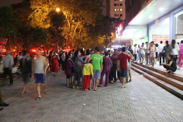 Hàng trăm hộ dân hoảng hoạn chạy xuống tầng trệt khi nghe chuông báo cháy