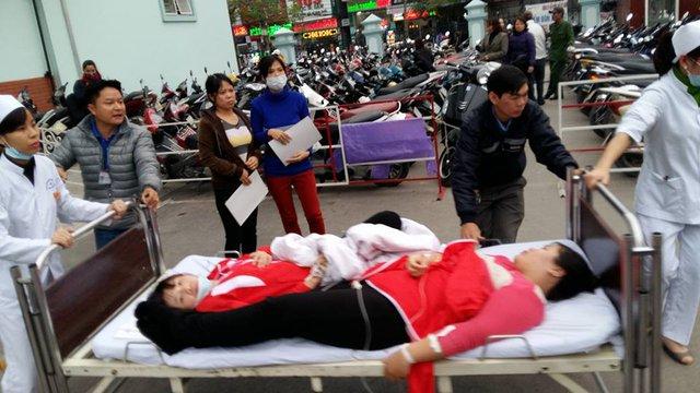 Khoảng 1000 công nhân đã phải nhập viện sau bữa trưa. Ảnh: M.Lý