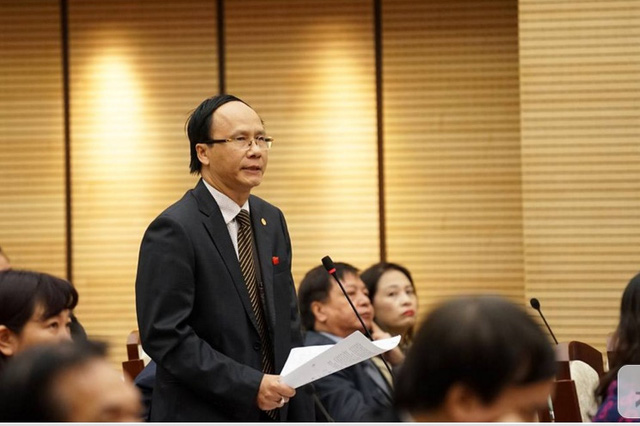 Đại biểu Nguyễn Hoài Nam tái chất vấn về công tác phòng cháy chữa cháy ở chung cư tái định cư. Ảnh: C. T