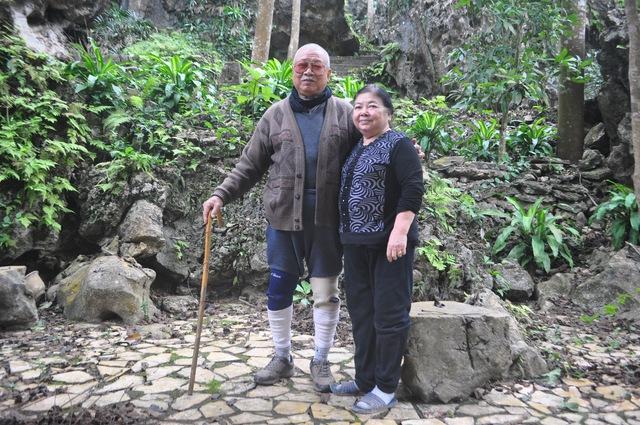 Ông Nguyễn Công Đức rất tự hào vì đã xây xong khu lăng mộ ướp xác cho hai vợ chồng. Ảnh: Cao Tuân