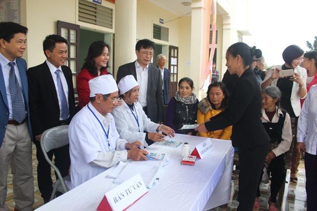 Tư vấn cho người cao tuổi tại trạm y tế xã Quỳnh Lộc, TX Hoàng Mai, Nghệ An