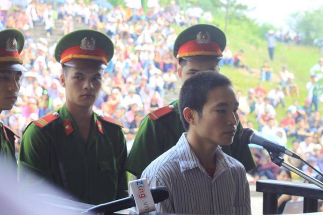 Chân dung Đặng Văn Hùng trước tòa. Ảnh: Xuân Thắng