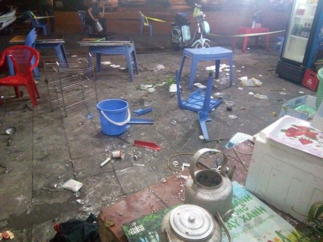 Hiện trường vụ việc tại quán lẩu số nhà 29, đường Phùng Hưng.