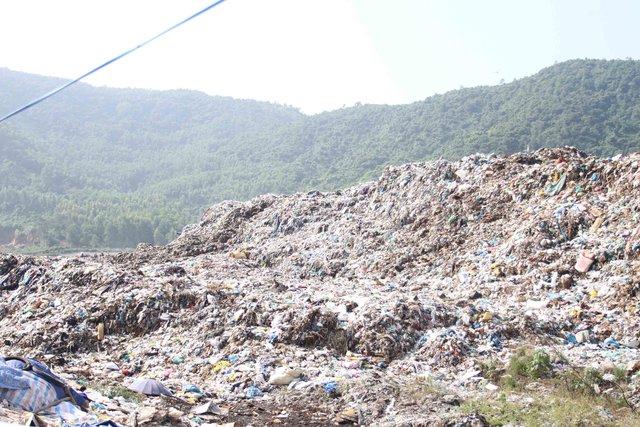 Bãi rác Khánh Sơn. Ảnh Đức Hoàng