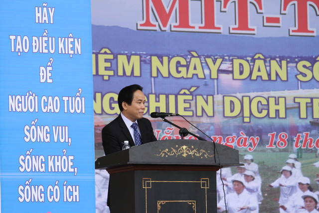 Phó giám đốc Sở Y tế Đà Nẵng - ông Nguyễn Út phát biểu tại lễ mit-tinh