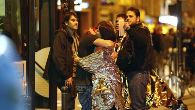 Khủng bố ở Paris hôm thứ Sáu ngày 13/11 làm rúng động cả thế giới.