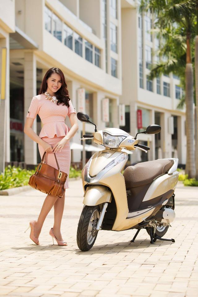 """Thoải mái """"vi vu"""" cùng Honda LEAD 125cc được trang bị động cơ thông minh thế hệ mới eSP"""
