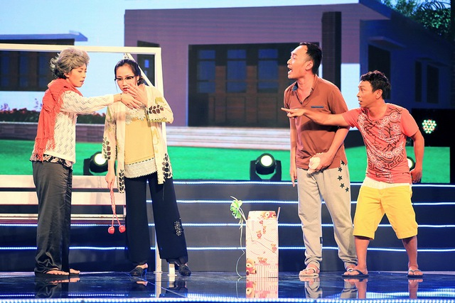 """Vở hài kịch """"Cám ơn một đóa xuân ngời"""" là một trong chuỗi các tiết mục đặc biệt chào mừng ngày phụ nữ Việt Nam 20/10 trong chương trình ca nhạc thời trang Sài Gòn Đêm Thứ Bảy sẽ được phát sóng vào lúc 20h ngày thứ bảy 17/10 trên VTV9."""