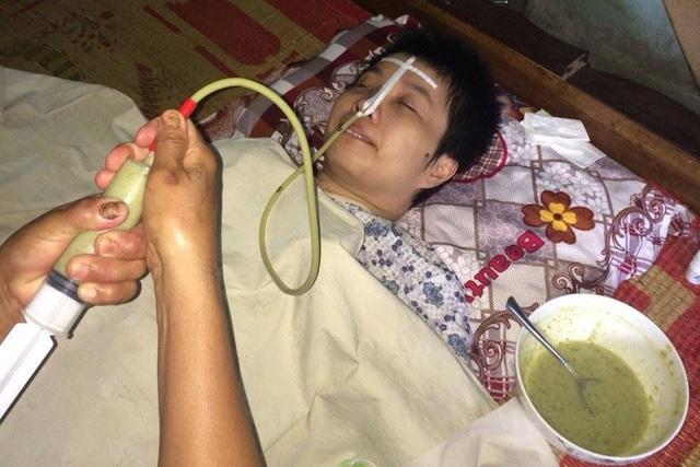Cô giáo Nguyệt sống đời sống thực vật suốt 5 năm qua sau khi bị tai nạn giao thông