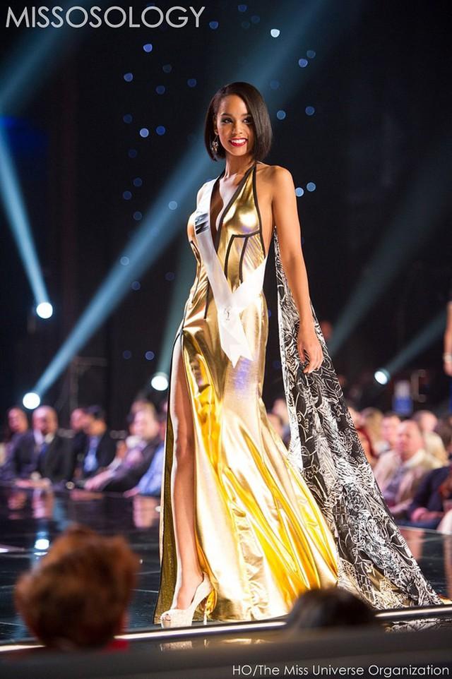 Hoa hậu Nhật Bản là cô gái mang hai dòng máu Nhật - Nam Mỹ. Việc cô góp mặt trong top 10 khá bất ngờ.
