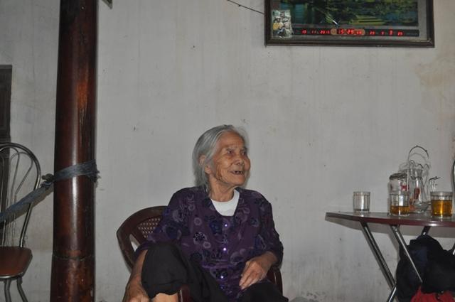 Bà Trần Thị Bường: Người nhà con bé khổ tâm vì nó lắm.