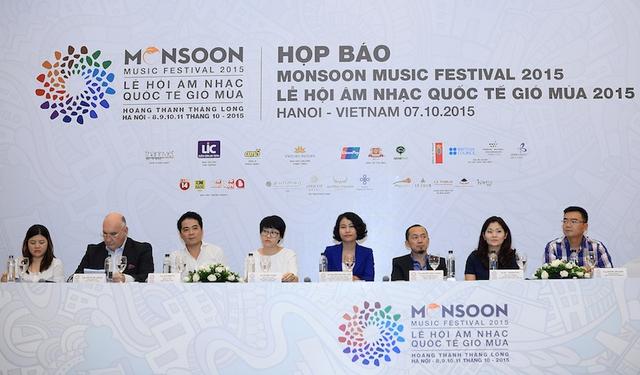 Vào chiều qua (7/10), tại Hà Nội đã diễn ra buổi họp báo giới thiệu các nhóm nhạc, nghệ sỹ trong nước và quốc tế sẽ tham gia Monsoon Music Festival 2015.