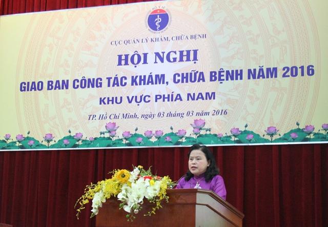 Thứ trưởng Y tế Nguyễn Thị Xuyên phát biểu chỉ đạo hội nghị.