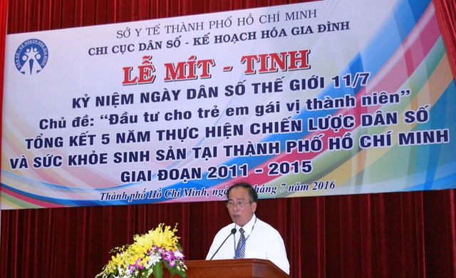 Ông Trần Văn Trị HCM cam kết sẽ vượt qua khó khăn, phấn đấu thực hiện thắng lợi chương trình DS-KHHGĐ năm 2016.