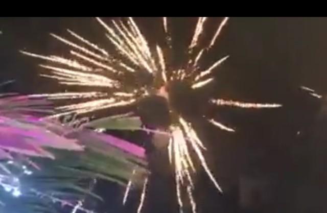Hình ảnh cắt từ clip giống bắn pháo hoa nhưng ông Châu Thanh Hãn giải thích rằng, đây là hiệu ứng ánh sáng.