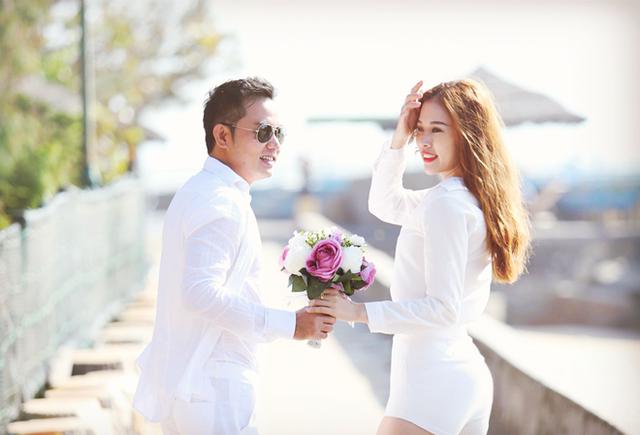 Bà xã tương lai của diễn viên phim Thái sư Trần Thủ Độ là Kim Yến, nhỏ hơn anh 16 tuổi. Cô từng giành một số giải hoa khôi tại quê nhà và danh hiệu Người đẹp bikini tại cuộc thi Hoa hậu Đại dương 2014.