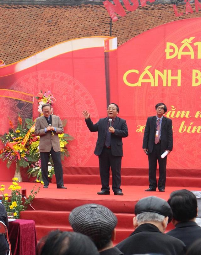 Nhà thơ Trần Đăng Khoa, Anh Ngọc, Nguyễn Hữu Qúy, Nguyễn Việt Chiến với liên khúc Biển đảo quê hương.