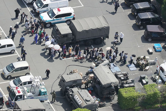 Hàng chục nghìn người đã phải sơ tán tới những nơi trú ẩn an toàn.