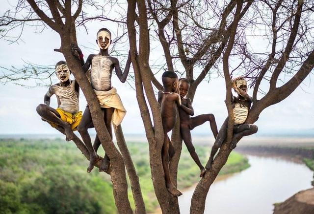 Lũ trẻ bộ lạc - Ethiopia.