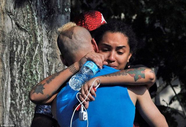Bầu không khí căng thẳng, tang thương đang bao trùm lên thành phố Orlando.