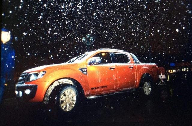 Bắt đầu từ đêm 23 và rạng ngày 24/1, tuyết bắt đầu rơi ở một số điểm thuộc Sapa. Đến gần sáng thì tuyết ngừng rơi.