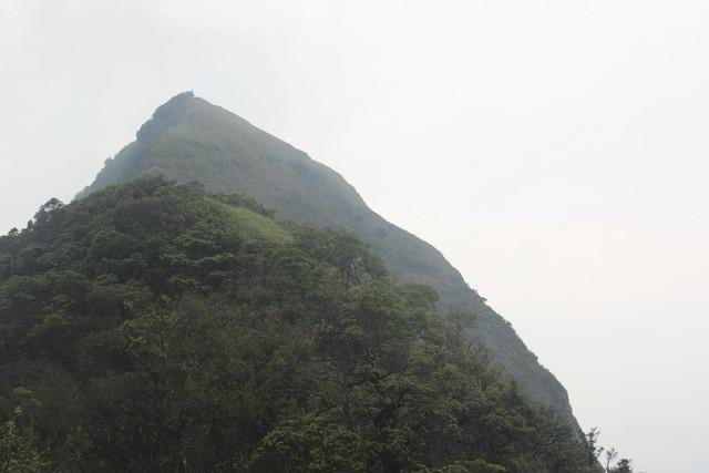 Đỉnh núi Công Sơn - nơi 7 con người đã gặp nạn. Ảnh: NVCC