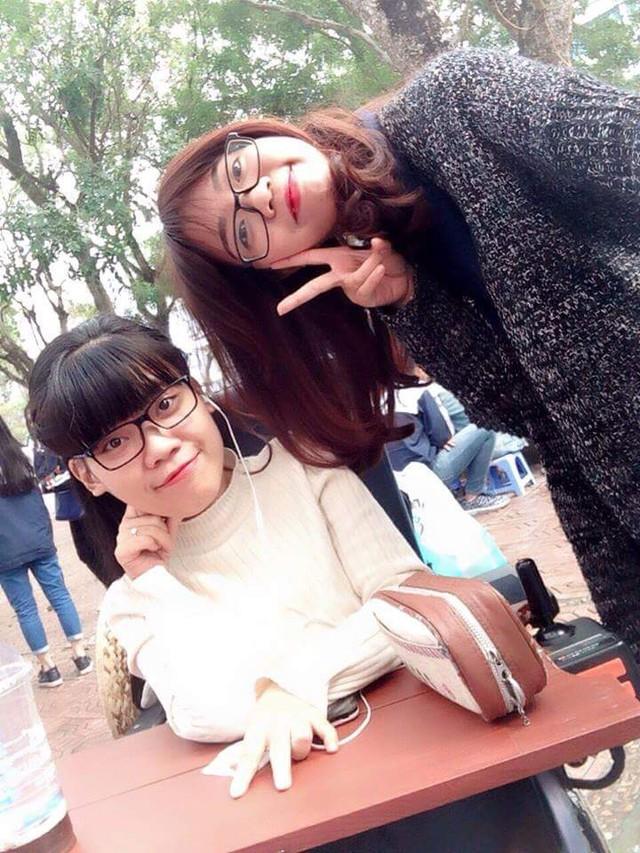 Sau mỗi buổi học, An có những buổi vui chơi bên bạn bè.