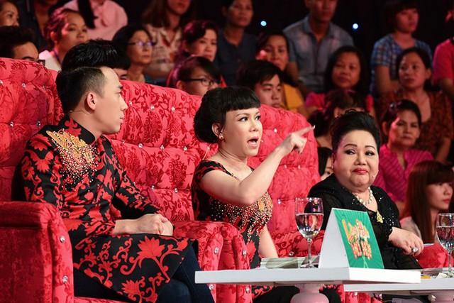 Bộ ba giám khảo đều bày tỏ sự thất vọng và thẳng thắn chỉ trích sự yếu kém của nhóm. Ảnh: Jet