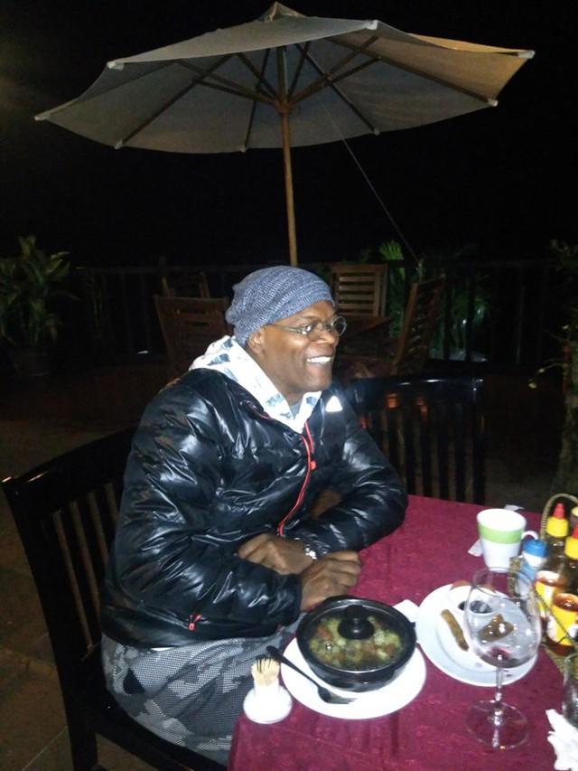 Nam diễn viên gạo cội Samuel L. Jackson ăn tối tại khách sạn. Ảnh: CTV.