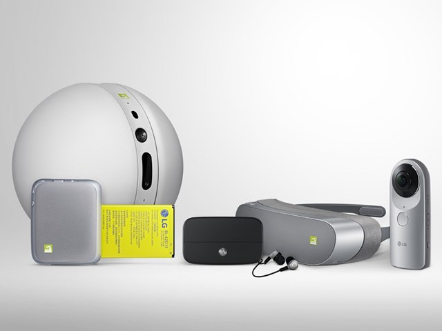 Những người bạn của LG G5, bao gồm kính thực tế ảo, Hi-Fi Plus module do B&O sản xuất, báng chụp hình Cam Plus, LG Camera 360, Rolling Bot.