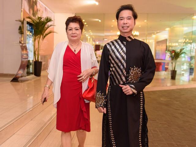 Ngọc Sơn và mẹ tại sự kiện. Ảnh: Bá Ngọc