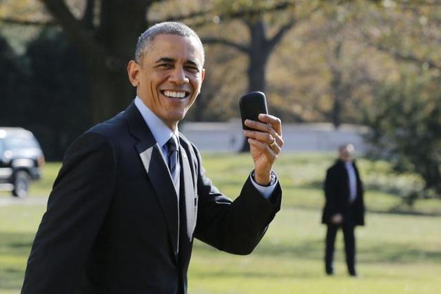 Nhiều nguồn tin vẫn khẳng định ông Obama sử dụng điện thoại của Blackberry cho tới nay
