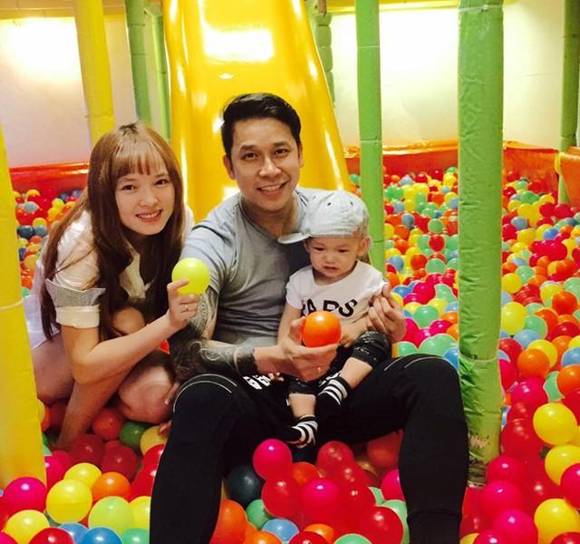 Gia đình hạnh phúc của Lê Hoàng. Ảnh: NVCC